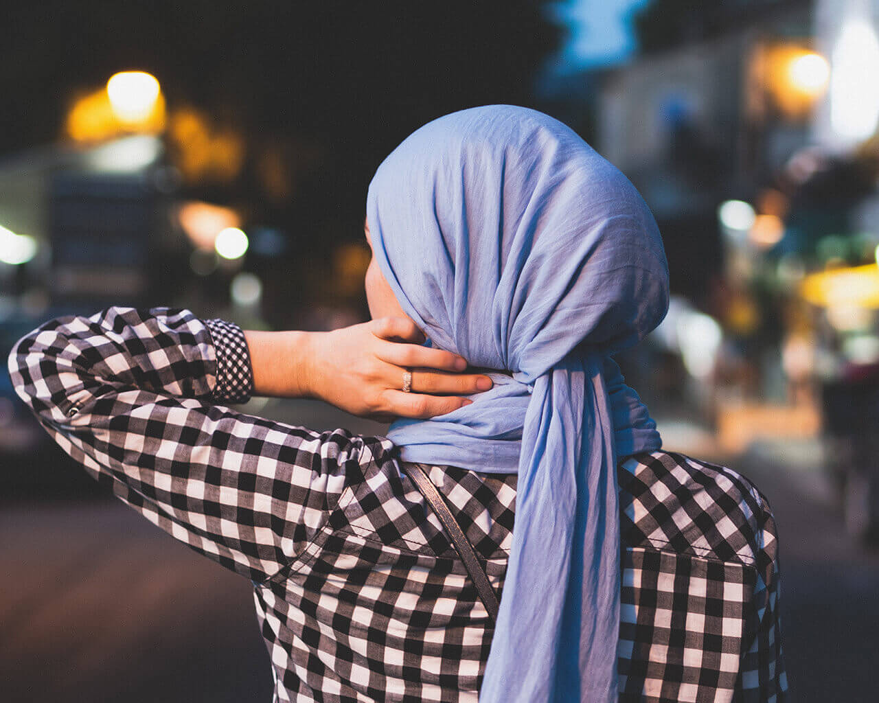 pic of a girl with a headscarf